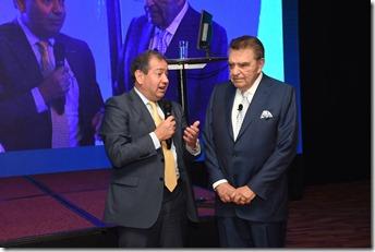 Eduardo Ebensperger, gerente general de Banco de Chile junto a Mario Kreutzberger