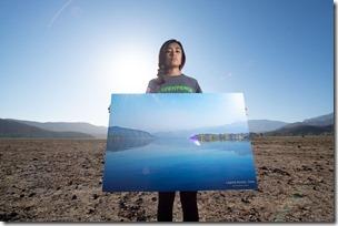 A pocos días del inicio de la COP25 y en medio de los llamados de que la próxima Constitución asegure derechos medioambientales, y con una serie de imágenes que exhiben el antes y el ahora de la laguna de Aculeo, Greenpeace denunció cómo el cambio climático, la sequía y la crisis hídrica están impactando de manera dramática extensas zonas de Chile.